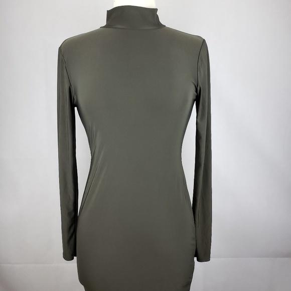 Boohoo Dresses & Skirts - 🔵5/$50🔵 Boohoo Dark Gray Turtleneck Dress Size 6